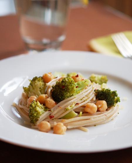 Broccoli-Chickpea-Pasta