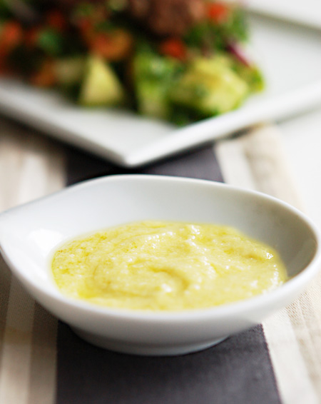 Lebanese-Garlic-Sauce-s