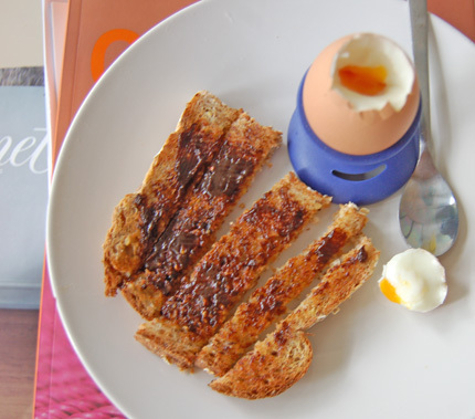 Dippy_egg_breakfastsl_2