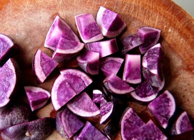 Purple_potatoes_s